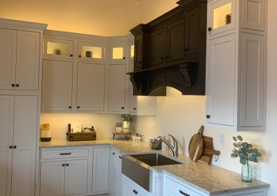 white kitchen cabinets display